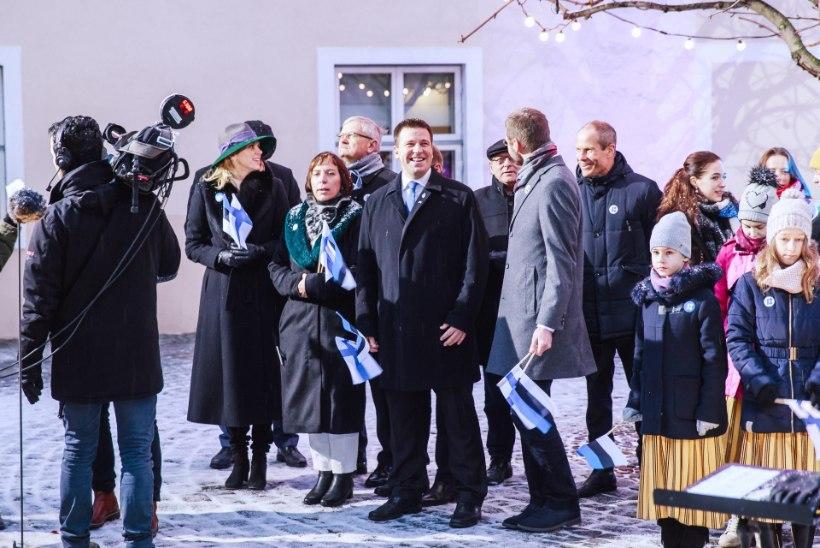 GALERII   Soome 100. sünnipäev rüütas Eesti vennasriigi lipuvärvidesse