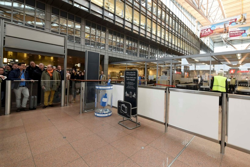 FOTOD | Hamburgi lennujaam evuakueeriti kemikaaliaurude pärast