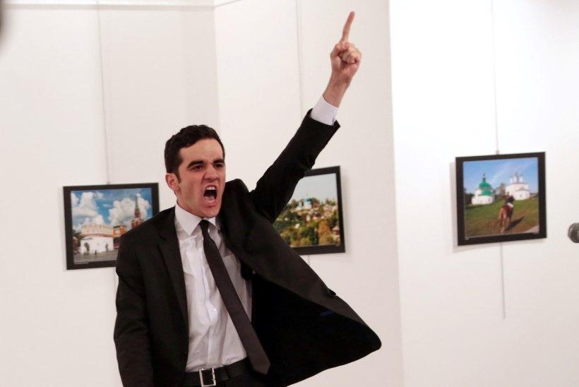 Vene suursaadiku mõrv tõi peapreemia