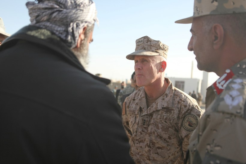 Miks lükkas viitseadmiral Robert S. Harward tagasi Trumpi pakkumise asuda ametist lahkunud Flynni kohale?