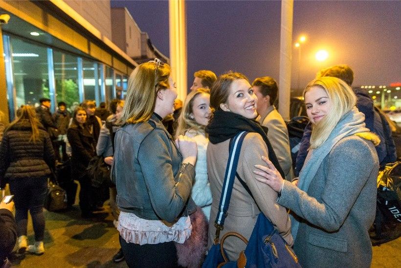 FOTOD   Soome koolilõpetajad tulid Tallinna pidu panema