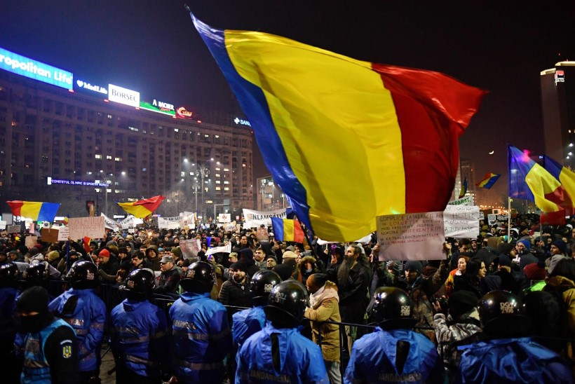 FOTOD | Rumeenias avaldas valitsuse vastu meelt ligi 200 000 inimest