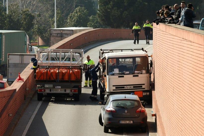 Politsei tulistas veoautoga kihutanud vaimuhaiget