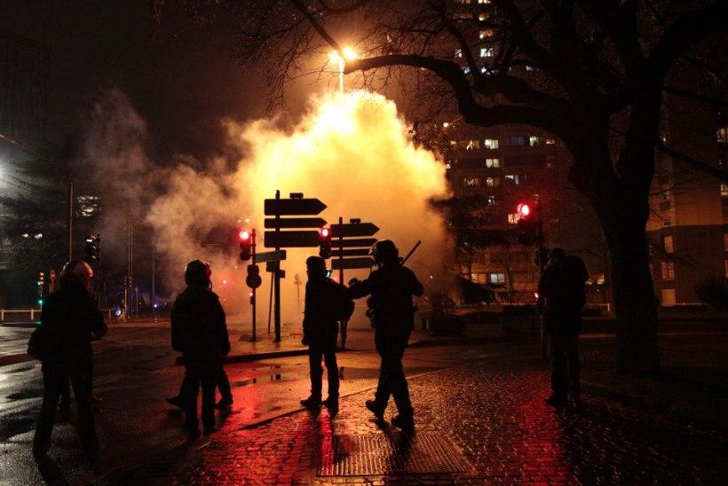 POLITSEI ON JÕUETU: immigrandid mässavad Pariisis ja Stockholmis