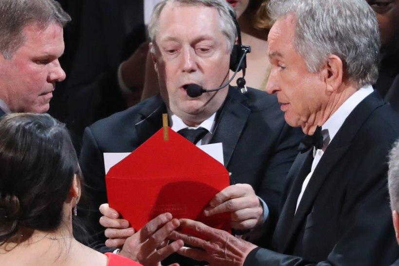 Audiitorfirma puistab endale Oscari-jama eest tuhka pähe