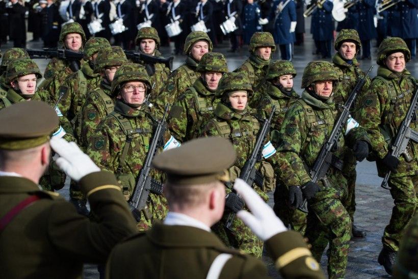 Sõjaväepolitsei ajas paraadi kommenteerinud kodutud minema