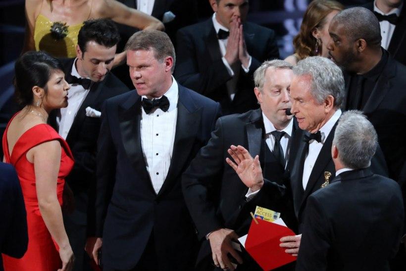 Oscari-jama peasüüdlane säutsus gala ajal korduvalt Twitteris