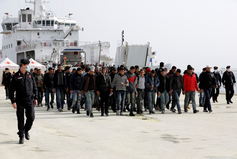 Itaalia ägab põgenikevoolu käes