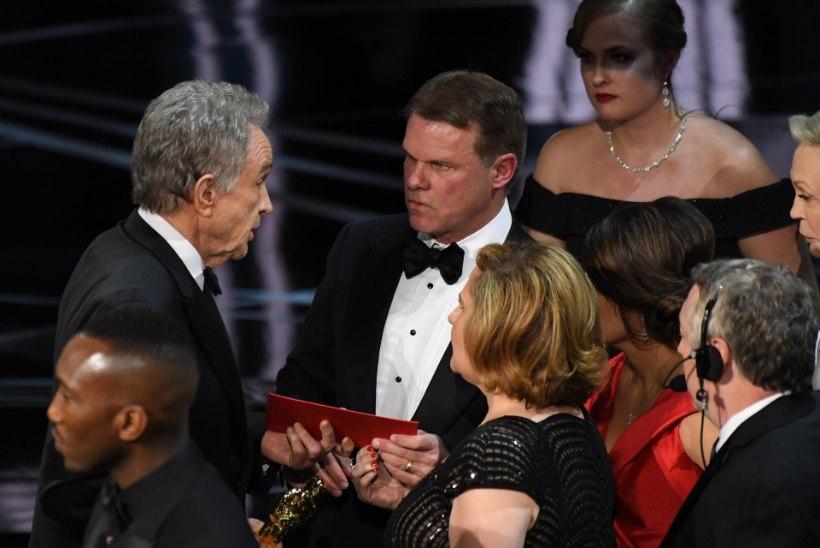 Oscari jama süüdlane säutsus gala ajal Twitteris