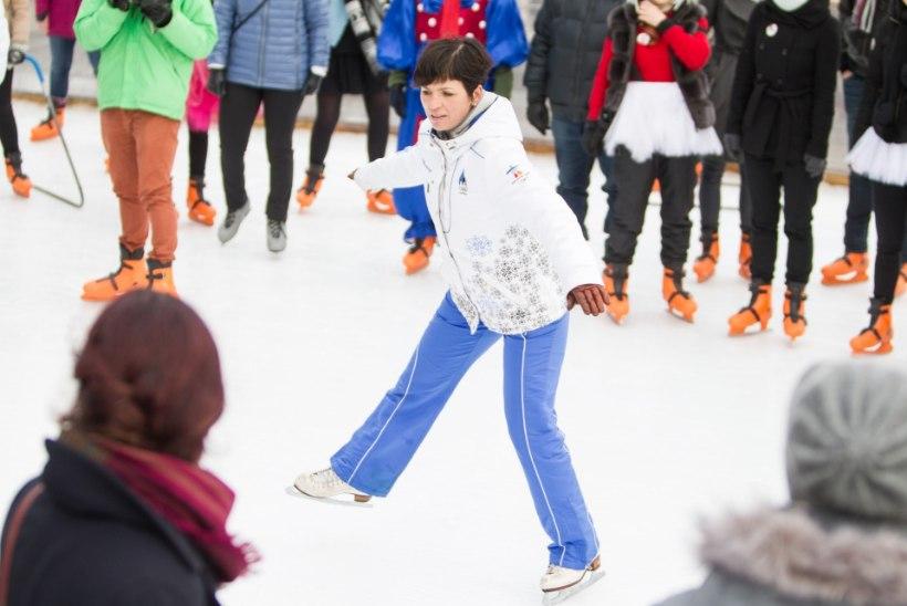 JÄNESED JA HALDJAD JÄÄL: Estonia teatri rahvas õppis vastlapäeval iluuisutama