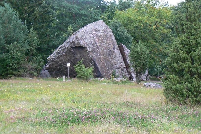 Geoloog Kalle Suuroja: Eesti ilusaim hiidrahn on Jaani-Tooma suurkivi