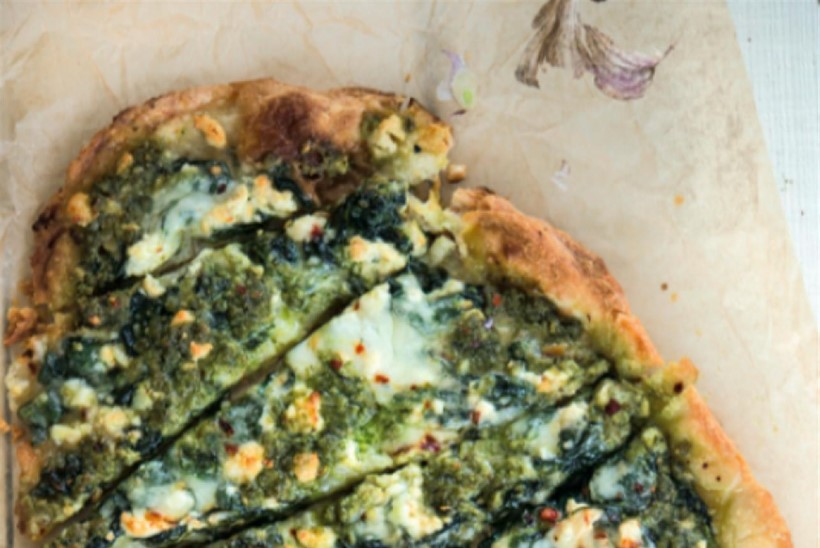 Kokka: India lameleivast pitsa pesto ja kolme juustuga