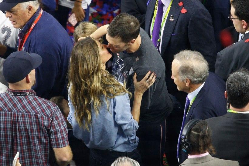 Gisele Bündchen premeeris Super Bowli võitnud abikaasat kuuma suudlusega