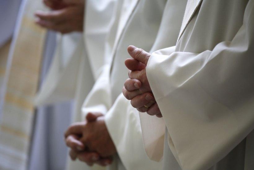 7% Austraalia katoliku kiriku preestritest on seotud laste väärkohtlemisega