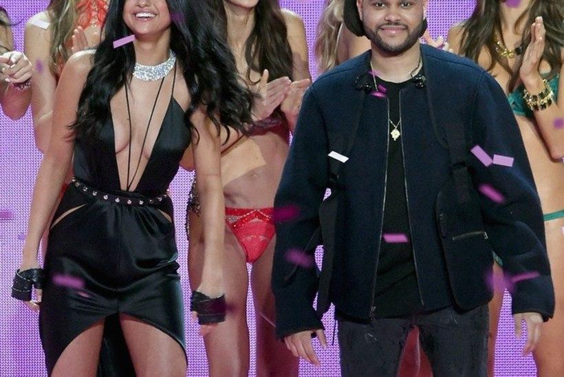 KUMMASTAV | Foto minevikust paljastab, et staarpaar Selena Gomez ja The Weeknd näevad täpselt välja nagu lauljatari vanemad nooruspõlves!