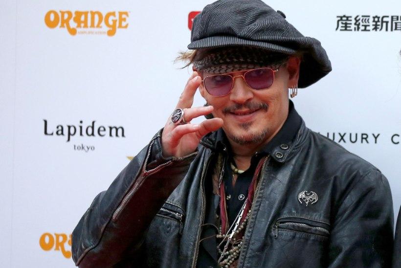 Rahahädas Depp näitas kauasele agendile ust