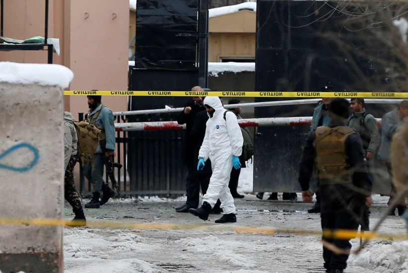FOTOD | Kabulis tappis enesetaputerrorist vähemalt 20 inimest