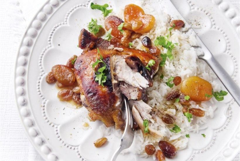 Kana aprikooside ja rosinatega