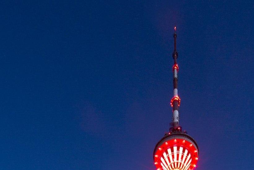 PILDID | Teletorn saab klaasist platvormi ja võimaluse tornist trossiga ürgorgu laskuda