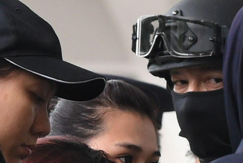 FOTOD | Kim Jong-nami tapnud naised ilmusid kohtusse kuulivestides