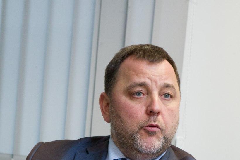 Riigikogulased kaebasid Sven Sesteri peale