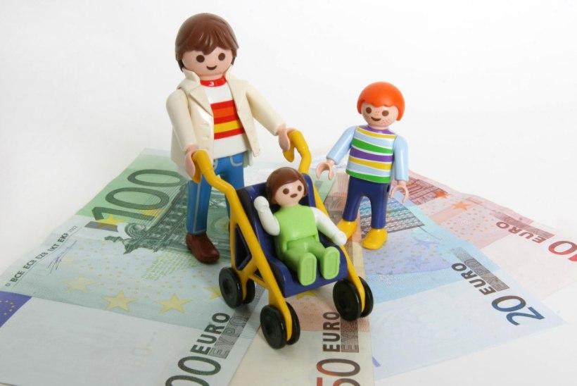 Rahahädas üksikvanemad saavad riigilt 100 euro ulatuses elatisabi