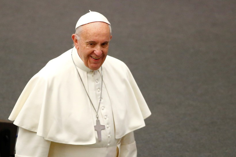 Paavst kaalub võimalust, et preestritena võiksid edaspidi tegutseda ka abielumehed