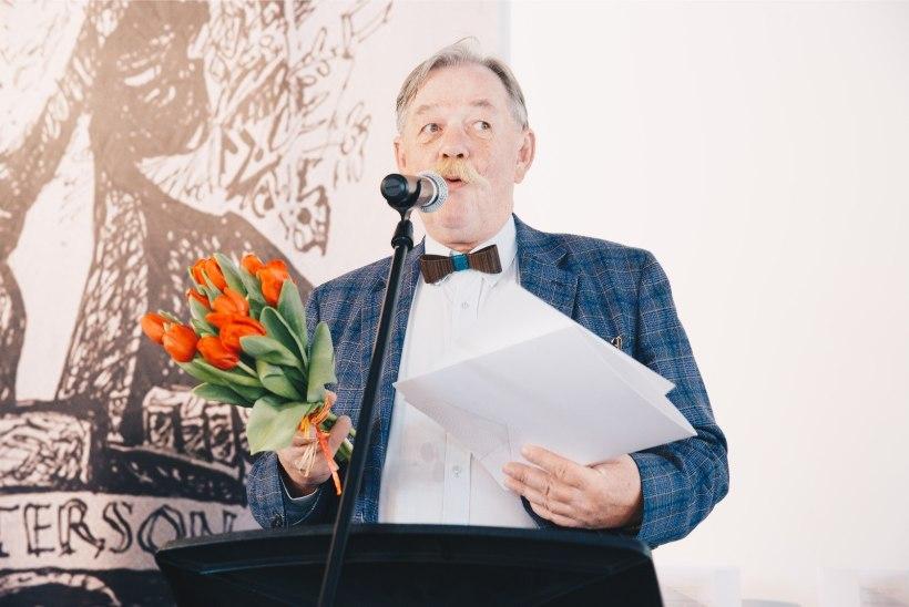 GALERII | Käsitsi pool tuhat lehekülge ja staarkalurist luuletaja ehk Kulka jagas kirjandusauhindu