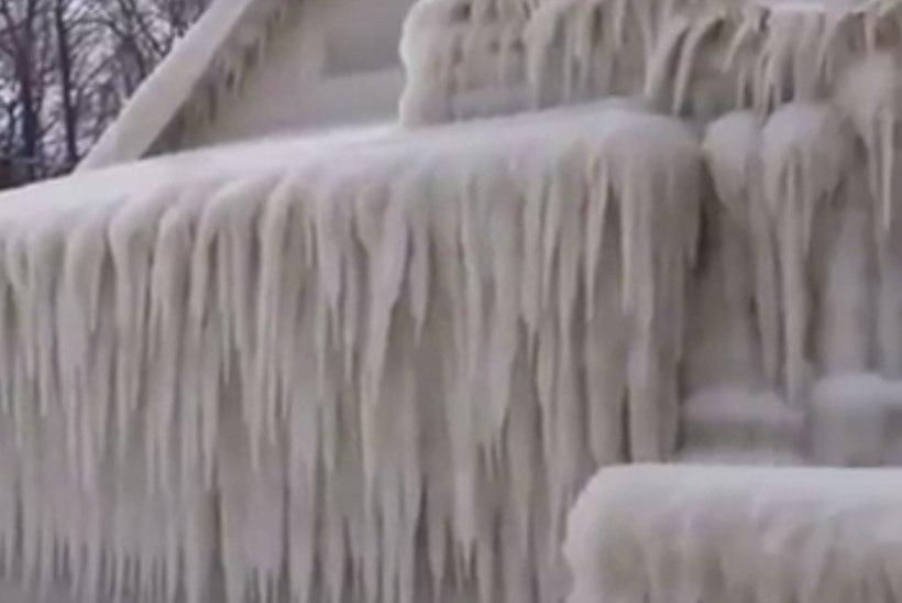 VIDEO | Jäised tuuled ja lumi muutsid maja jäälossiks