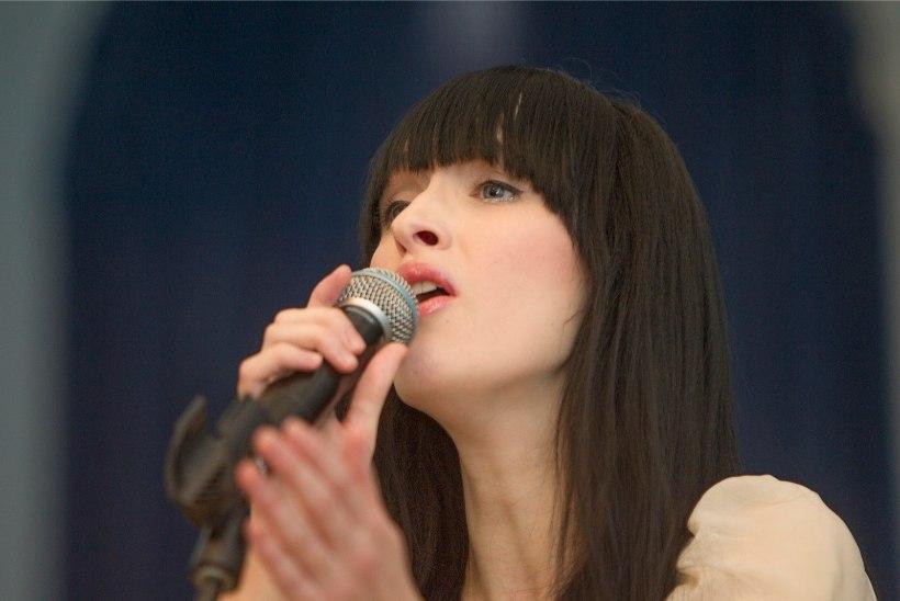 """Priit Pajusaar ja Sandra Nurmsalu avaldasid esimese ühise laulu """"Jäälilled"""""""