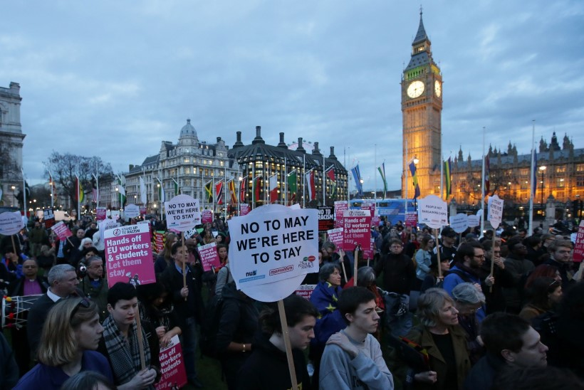 Briti parlament näitas pärast viivitust Brexitile rohelist tuld. Mis saab edasi?