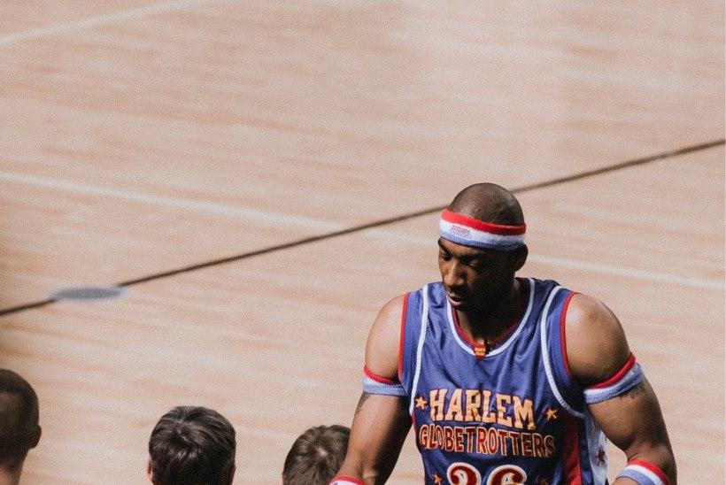 GALERII | Legendaarne spordishow Harlem Globetrotters Saku Suurhallis