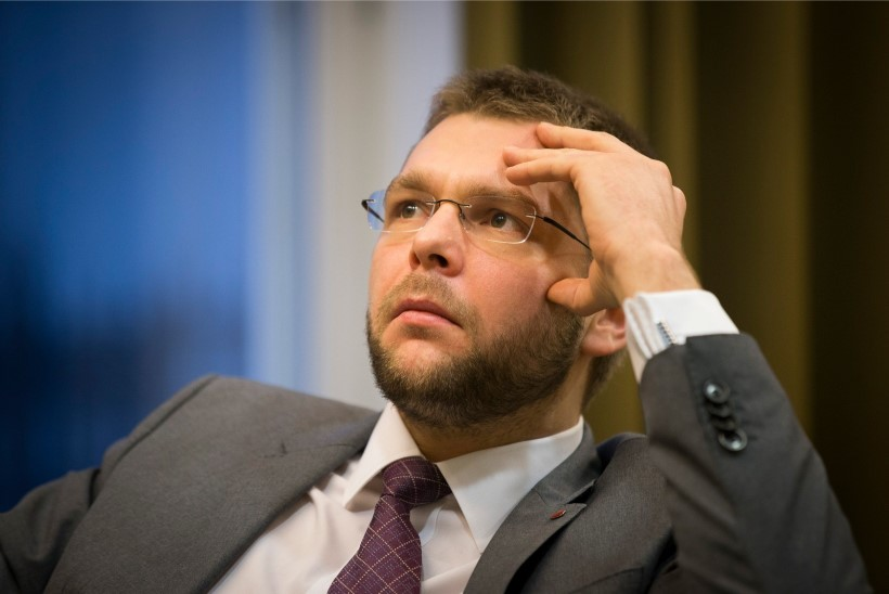 TV3 VIDEO | KINGITUD HOBUSE SUHU JU EI VAADATA? Minister Ossinovski ei võtnud endanimelist viina vastu