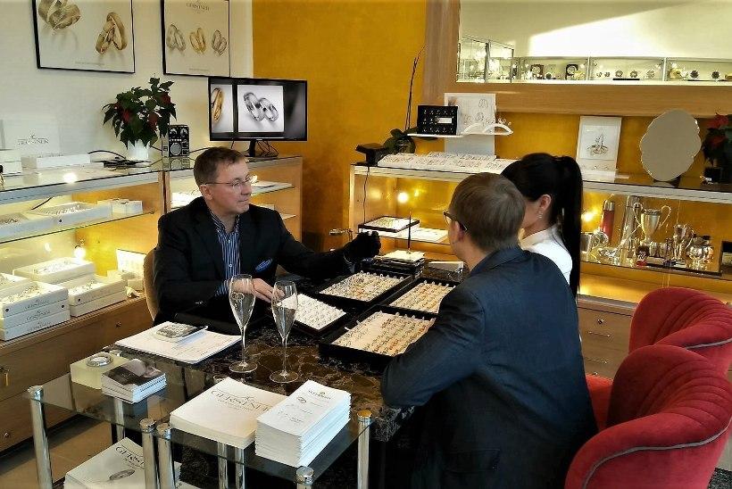 PULMASPIKKER | Abielusõrmuste valikul mängivad rolli kulla värv ja ornamendid