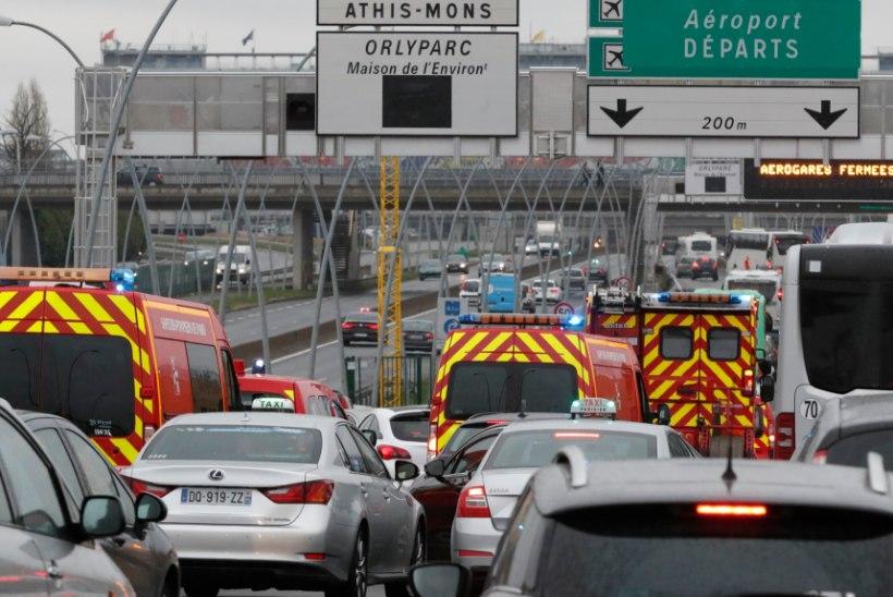 FOTOD ja VIDEOD | Pariisi lennujaamas lasti maha mees, kes üritas sõdurilt relva haarata