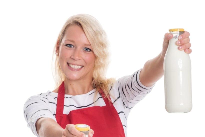 Seitse teaduslikult kinnitatud viisi, kuidas piima joomine võib tervist kahjustada