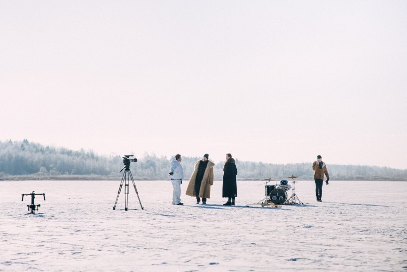 VAATA VIDEOT! Svjata Vatra avaldas kevade alguse puhul mõnusa muusikavideo