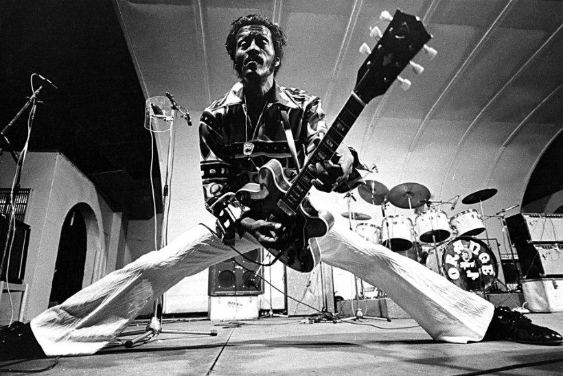 Chuck Berry skandaalne elu: relvastatud röövidest piilukaamerateni naiste WCs