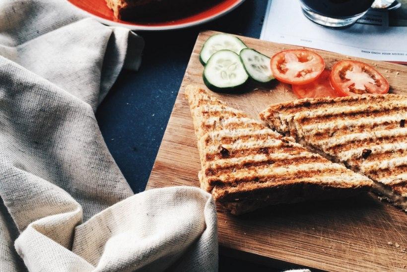 6 lihtsat nippi, mille abil muuta hommikusöök harjumuseks