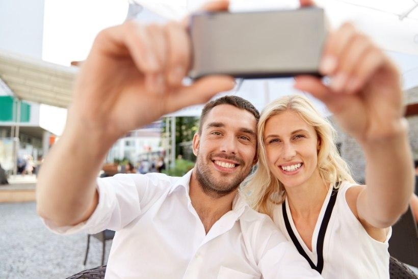 Ettevaatust! Selfide tegemine levitab täinakkust!