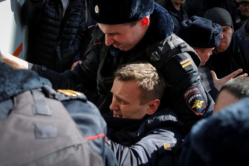 Tuhanded venelased on kogunenud korruptsiooni vastu protestima