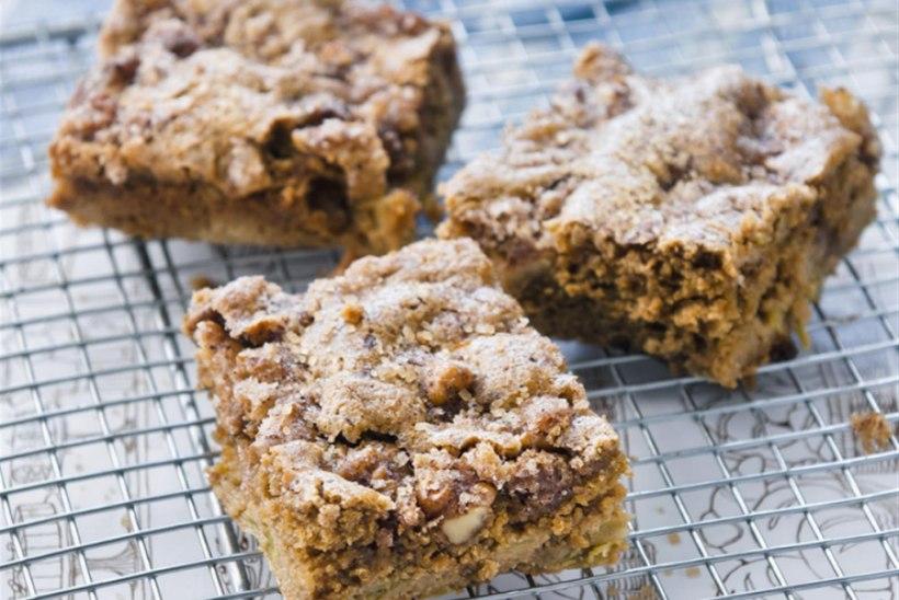 Karamelline pähkli-rabarberikook