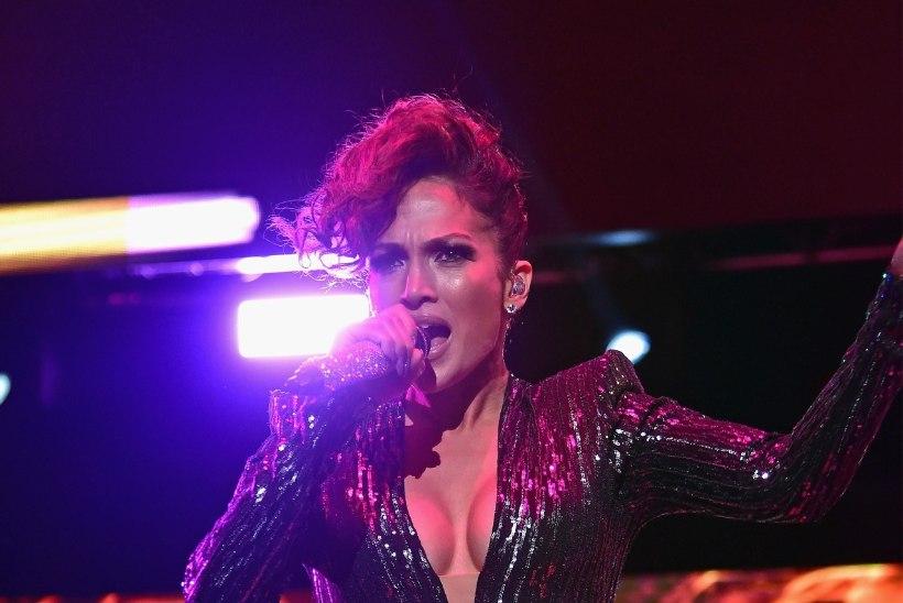 "Poeg Jennifer Lopezile: ""Emme, miks sa pükse ei kanna?"""