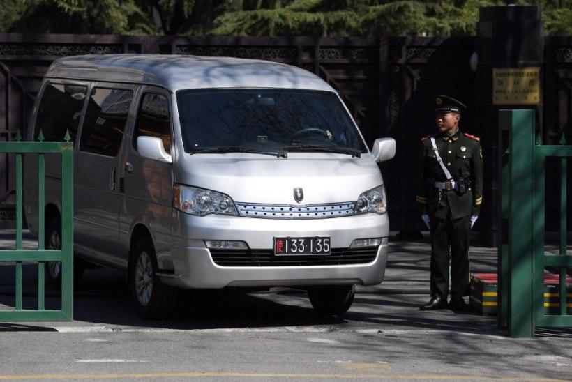 Põhja-Korea liidri poolvenna surnukeha jõudis viimaks koju