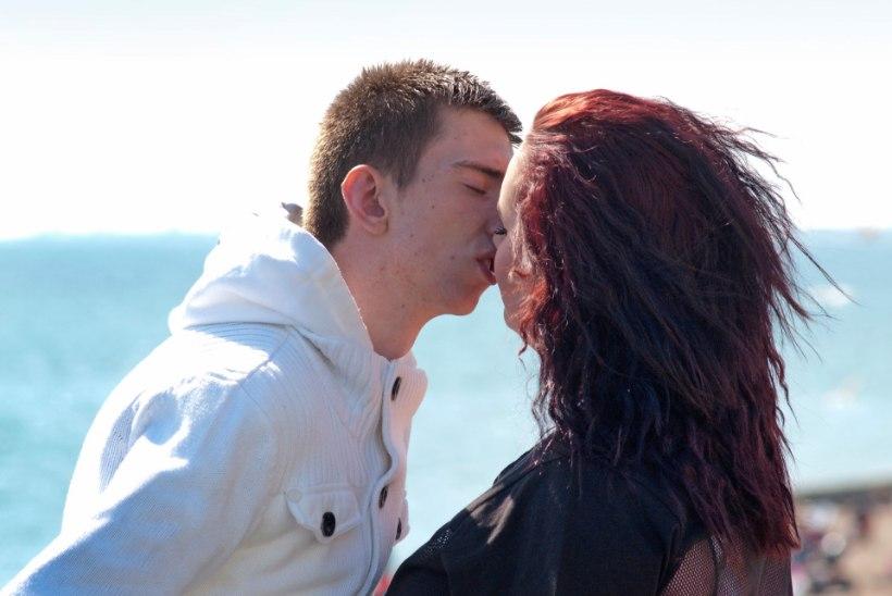 Suudlemine on noortele parim integratsioon!