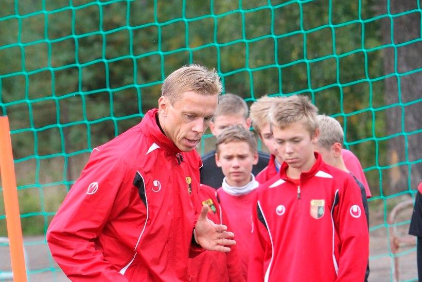 SPORT-EKSTRA   Kellele hoiab Eesti jalgpalliliigas pöialt Mart Poom? Ikka oma Nõmme Unitedi poistele!