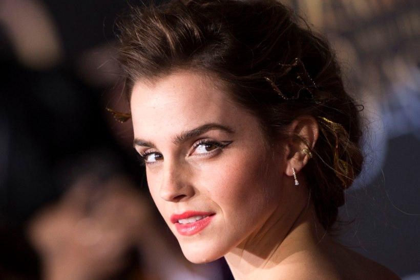 Emma Watson õlitab oma jalgevahet