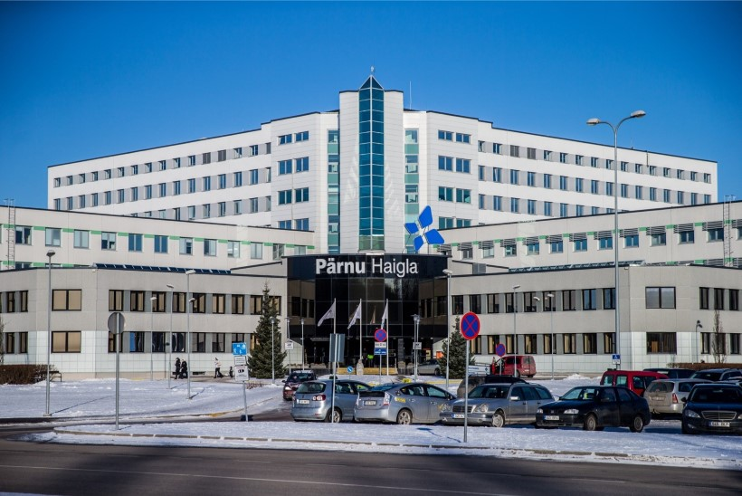 Pärnu haigla nõukogu otsustas vaatamata skandaalidele juhatuse ametisse jätta