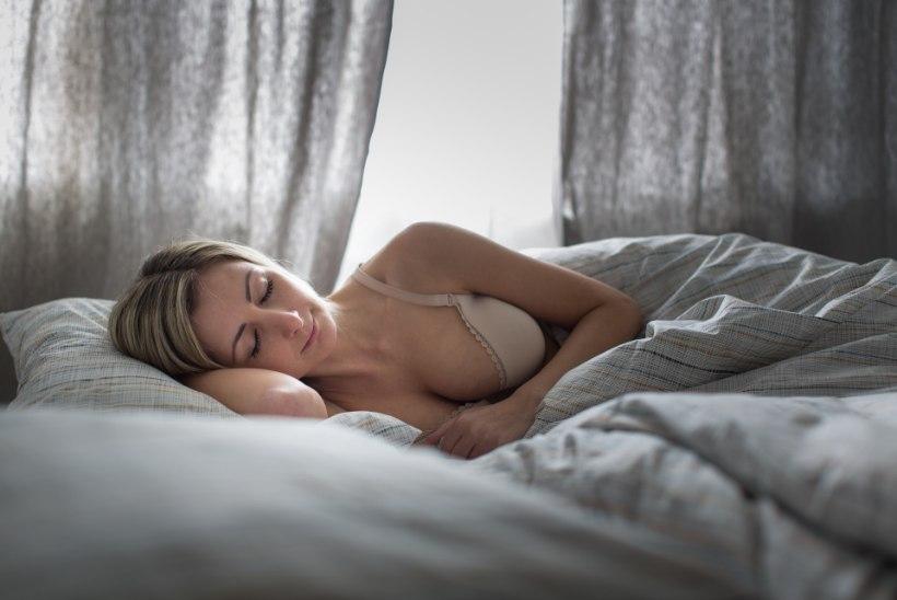 Teadlased: pikalt magamine soodustab paksuksminekut
