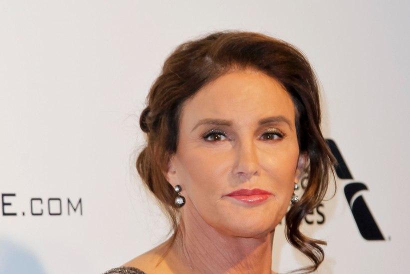 Caitlyn Jenner lasi viimaks oma meheau ära lõigata